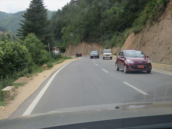 ド・チュラ峠の道