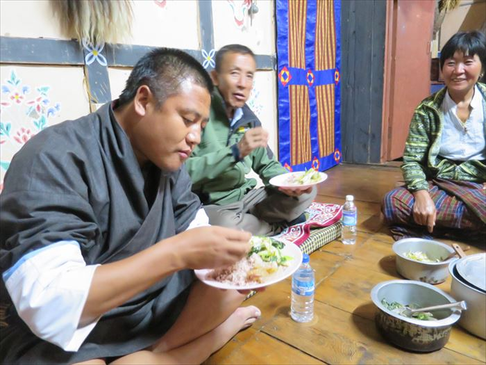 ブータン 民家での食事