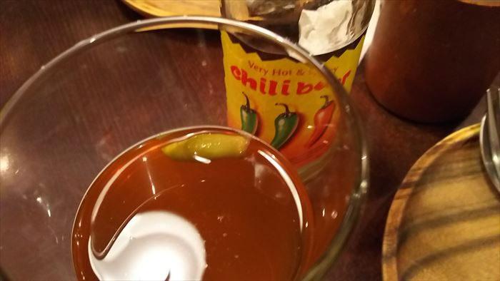 チリビールは生の唐辛子入り