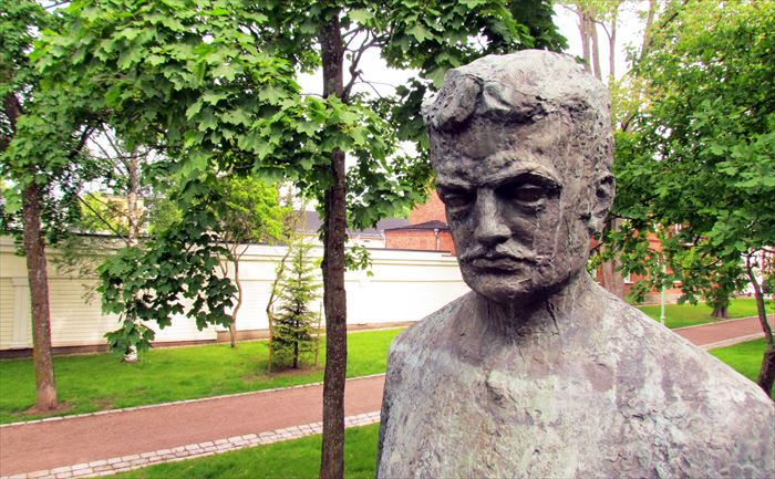 シベリウスの像
