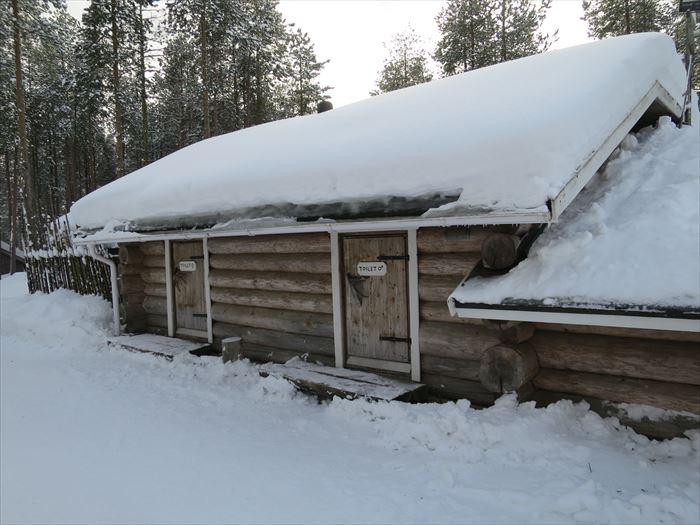 ハスキーファームの小屋