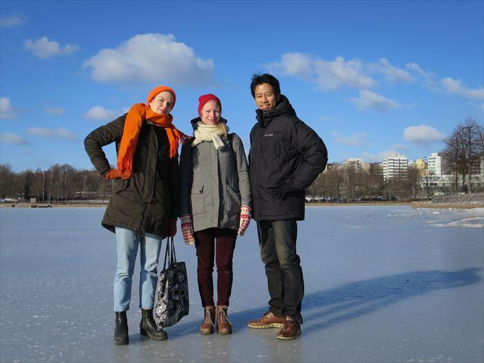 凍った海の上で