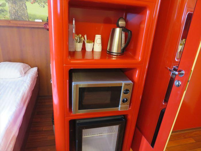 電子レンジと冷蔵庫のあるホテル
