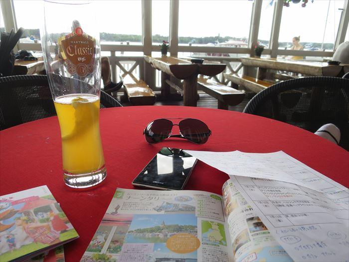 カフェで飲むビール