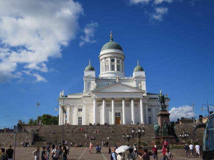 夏のヘルシンキ大聖堂