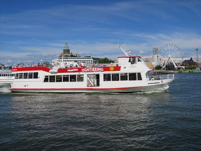 ヘルシンキ市内の観光船