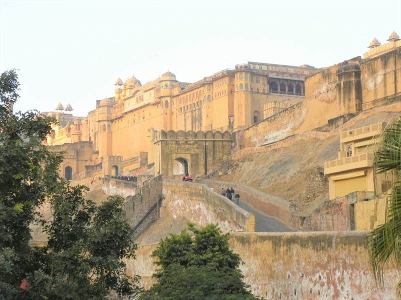 ジャイプールの丘の上にある巨大なお城「アンベール城」