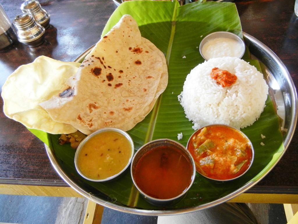 南インドの定食ミールス