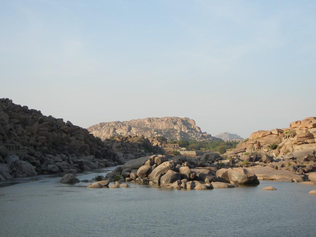 ハンピ・トゥンガバドラー川ル
