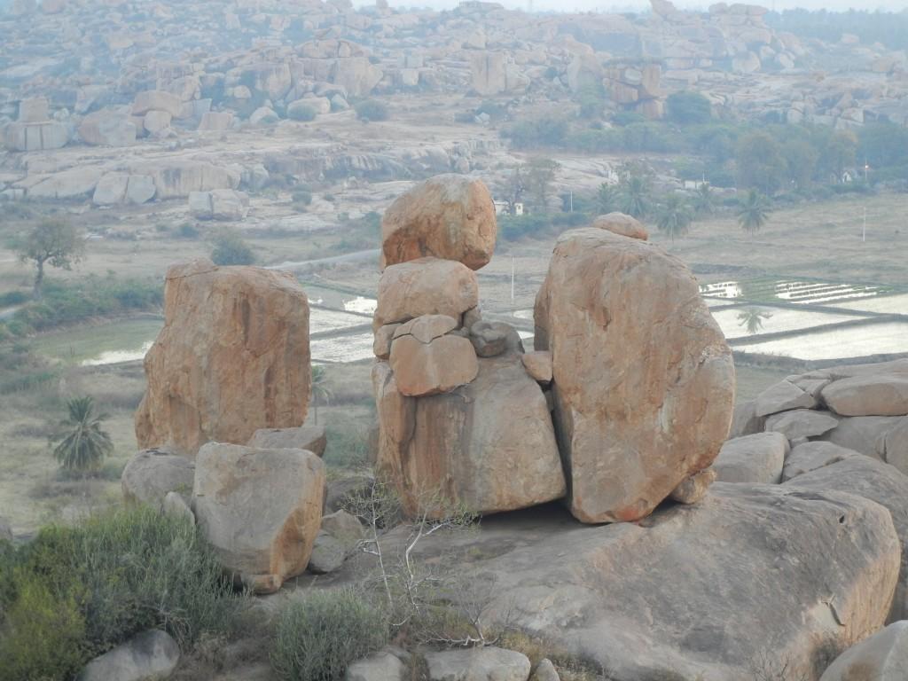 ハンピの巨岩