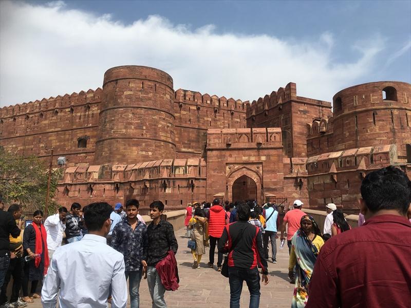 タージマハルのほかに外せないポイント「アグラ城」その入口となる「アマル・スィン門」