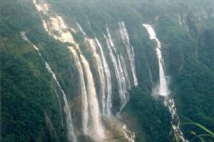 Nohsngithiang Falls_R