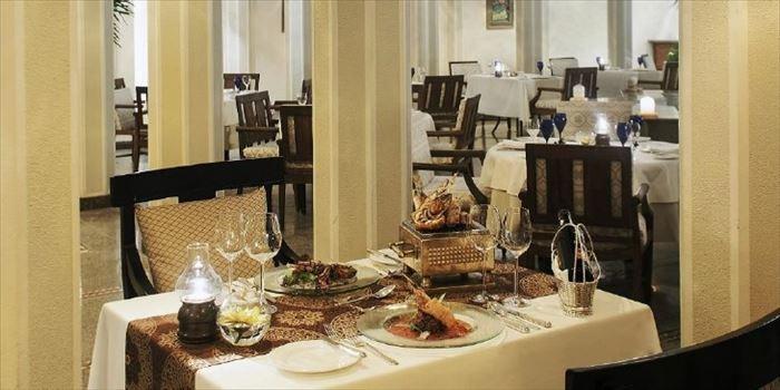 チャンディガール THE OBEROI SUKHVILAS のレストラン