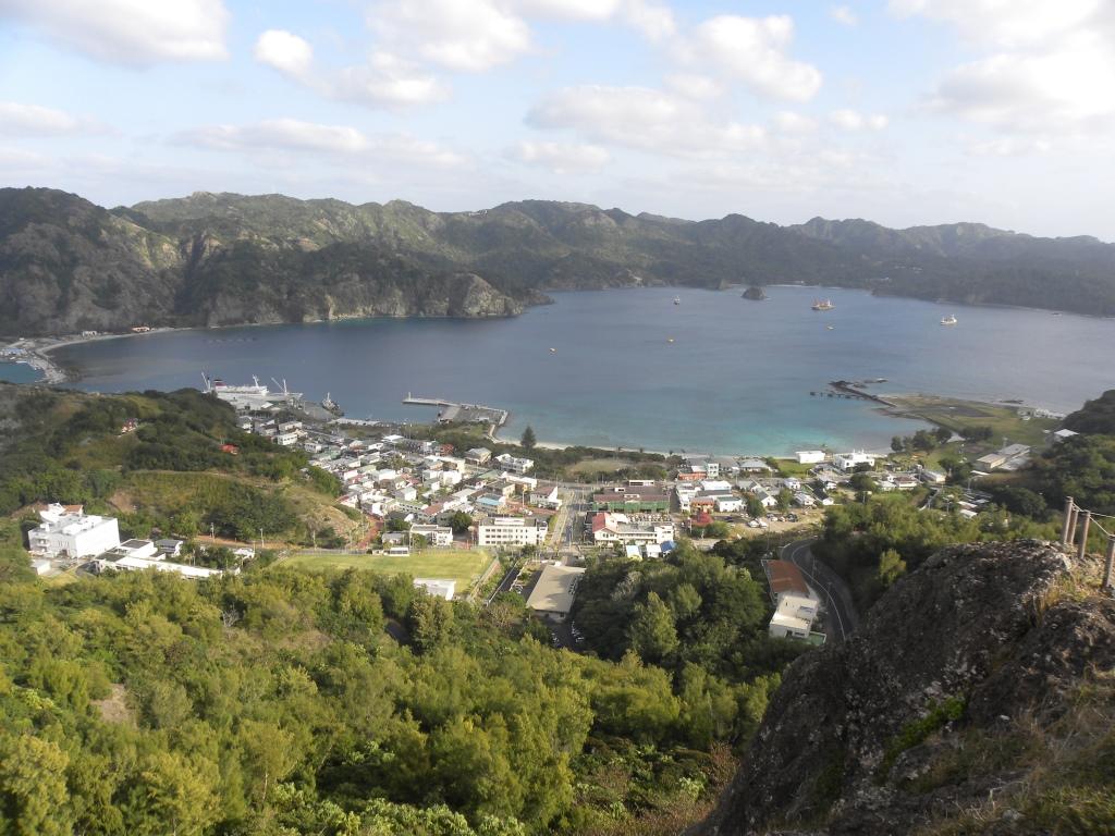 父島の高台からの風景