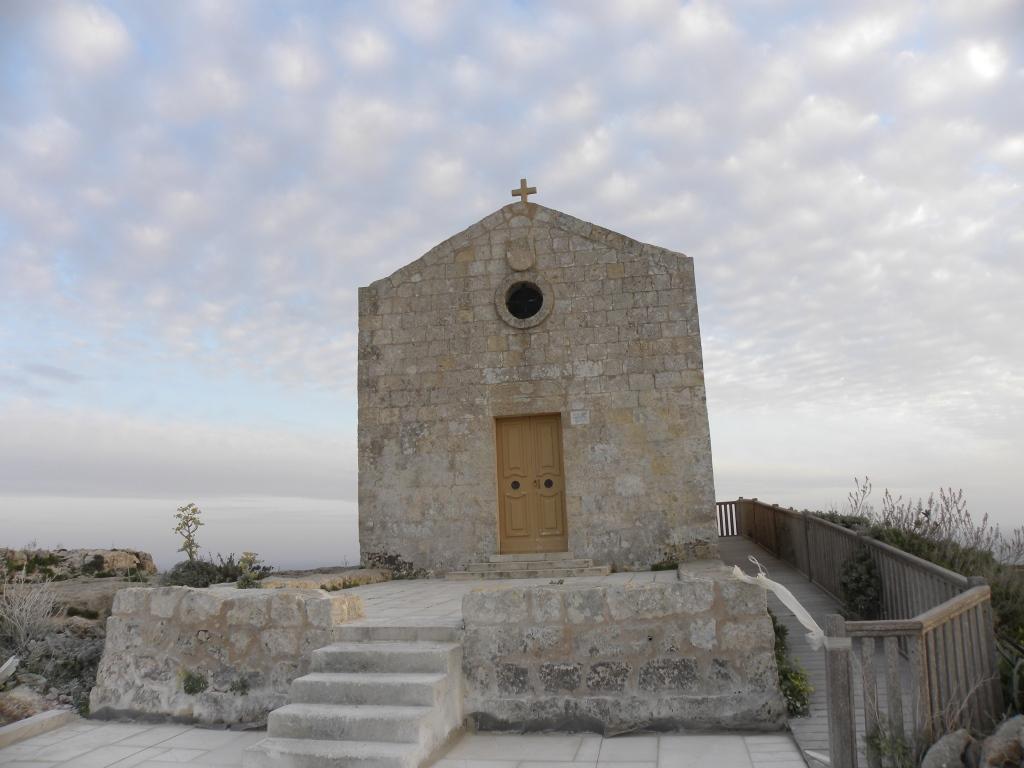 ディングリクリフに建つ教会