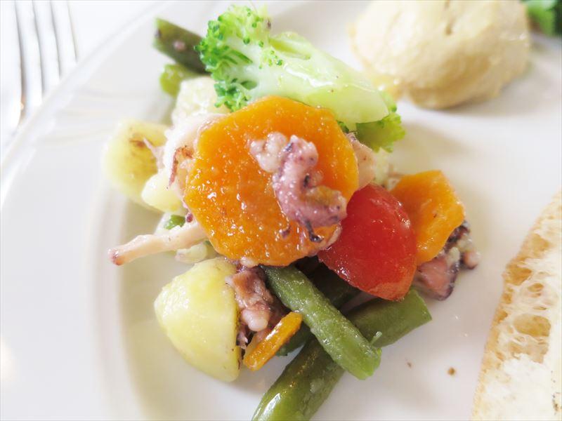 タコサラダ クロアチアの食事