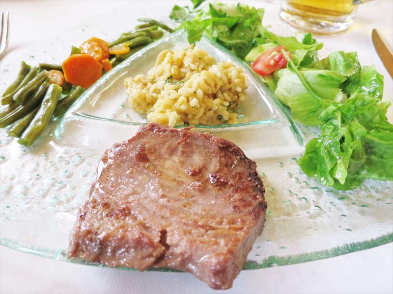 マグロのステーキ クロアチアの食事