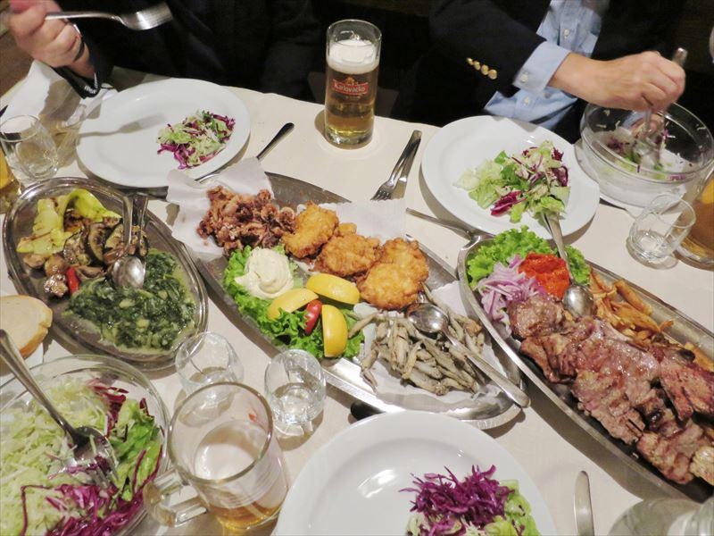 スプリトの大皿料理 クロアチアの食事