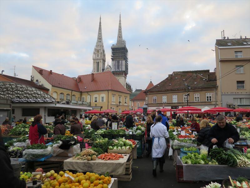 ドラツ青果市場