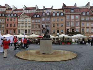 世界遺産ワルシャワ旧市街の人魚像