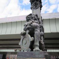 日本橋にある獅子の像