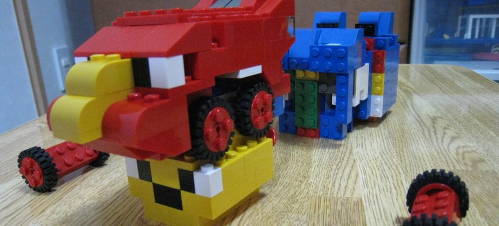 レゴブロックで合体ロボットをつくろう