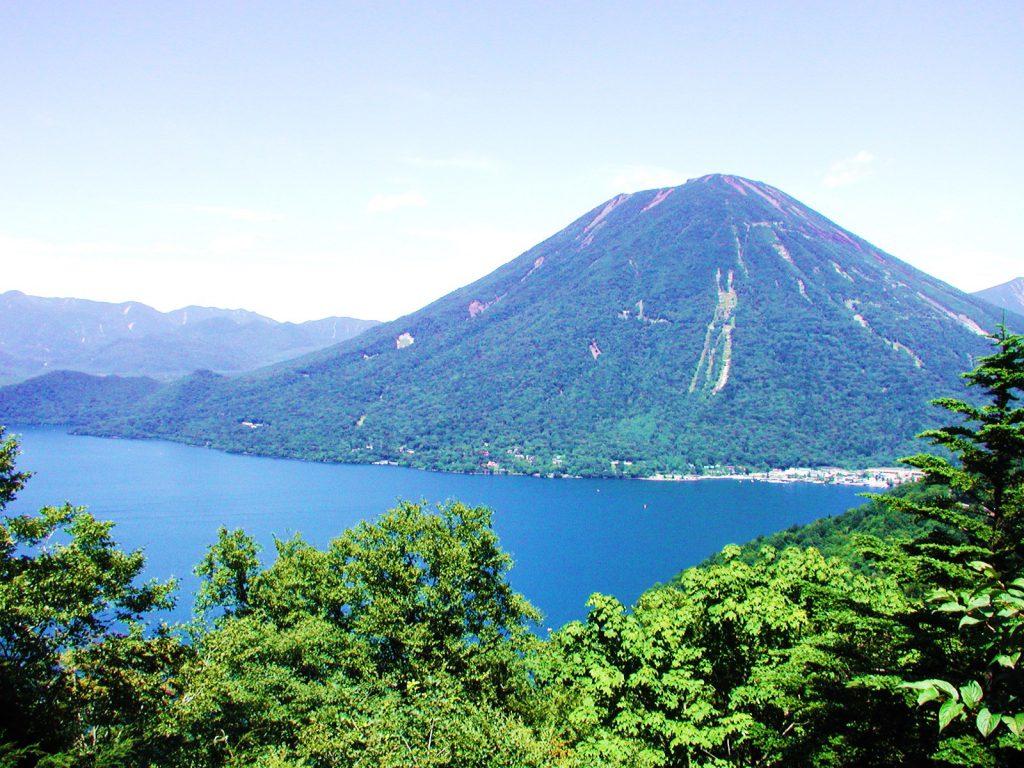 栃木日光 男体山と中禅寺湖