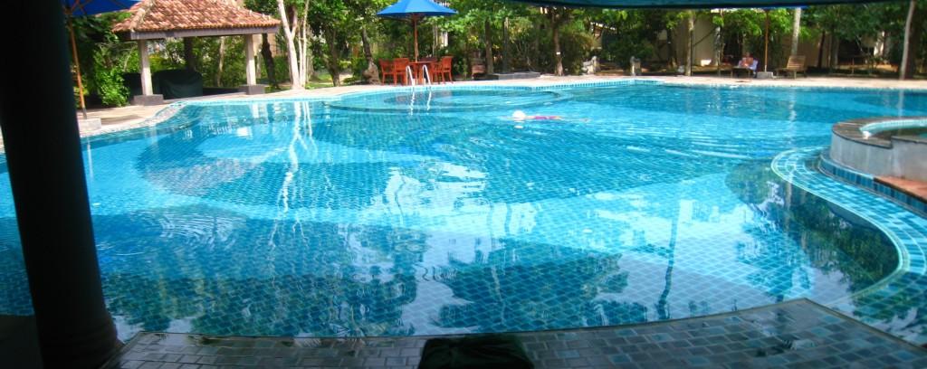 スリランカ プール