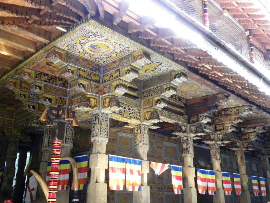 独特の美しさを持つ、仏師寺の装飾