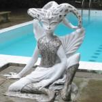 ヘルガズフォリー プールの像
