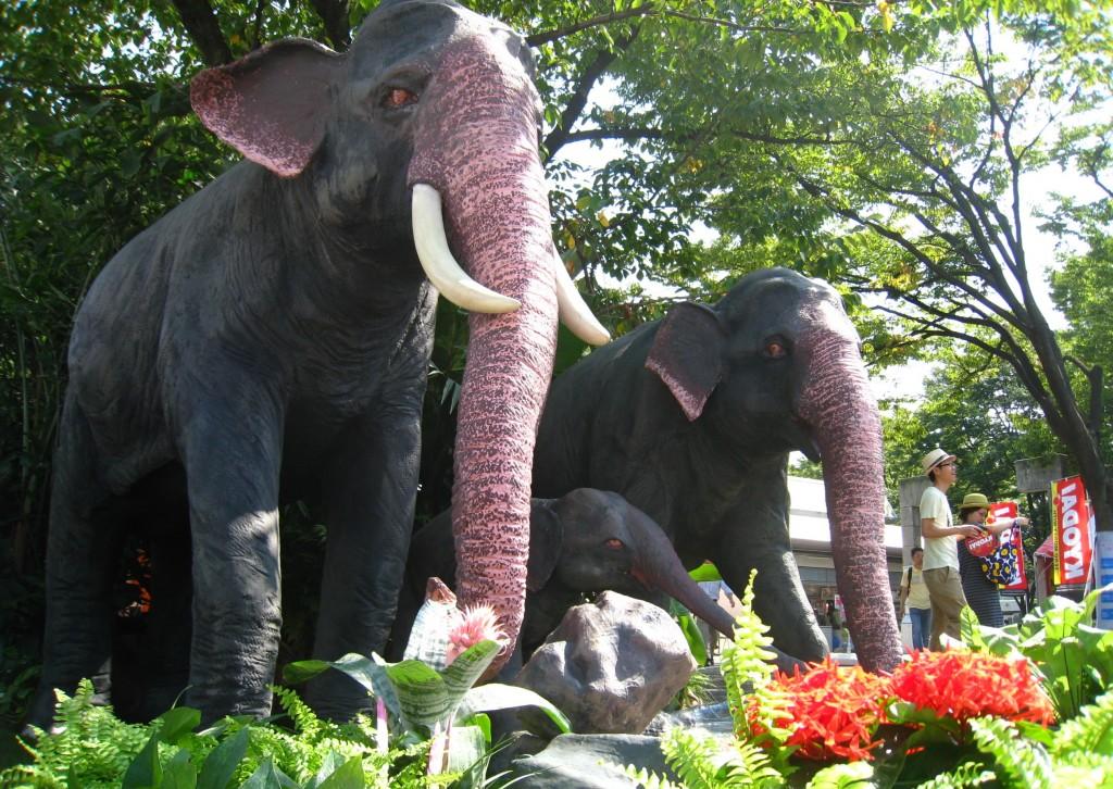 象のオブジェ