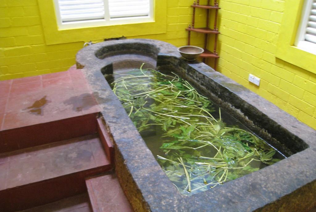 シダレパリゾートの薬草風呂