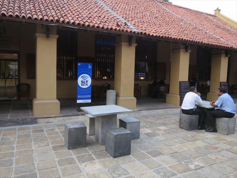 ダッチ・ホスピタルの中庭