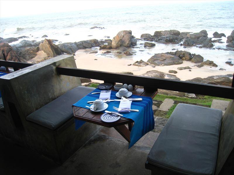 海辺の椅子