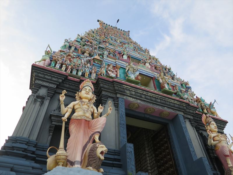 ナイナーティブ島のヒンドゥー寺院