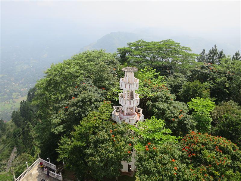 アンブルワワ寺院にある小さな塔