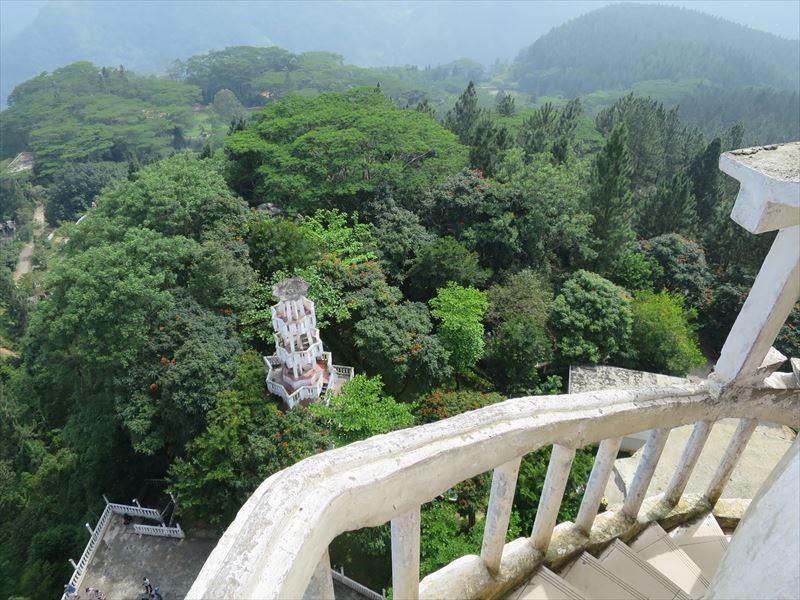 アンブルワワ寺院からの風景